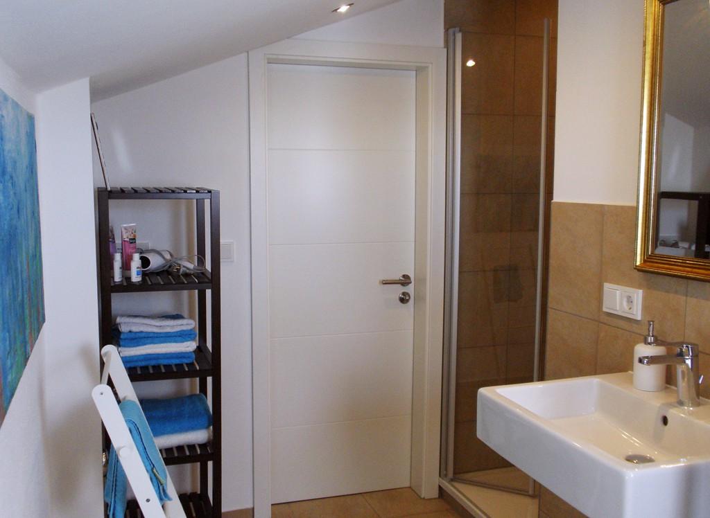 unsere ferienwohnung ferienwohnung adlmaier. Black Bedroom Furniture Sets. Home Design Ideas